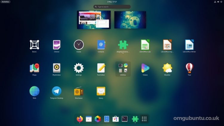 GNOME 40 with blur in the apps grid